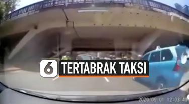 KABUR DARI POLISI, PEMOTOR MALAH TERTABRAK TAKSI