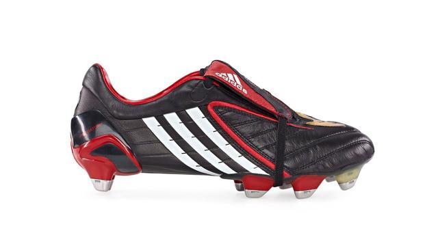 Ikonik Ini 8 Sepatu Pesepak Bola Yang Melegenda Dunia Bola Com