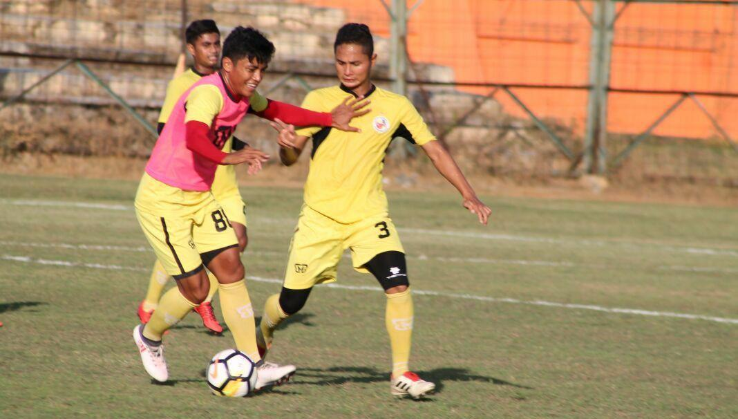 Semen Padang bakal melakoni dua laga kandang secara beruntun pada kompetisi Liga 2. (Bola.com/Arya Sikumbang)