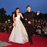 Nyatanya Song Hye Kyo dan Song Joong Ki pernah bertengkar. Akan tetapi mereka tidak pernah berlarut-larut saat menghadapai sebuah masalah. Song Joong Ki mengaku punya trik khusus untuk menghadapi sang istri. (AFP/JUNG YEON-JE)