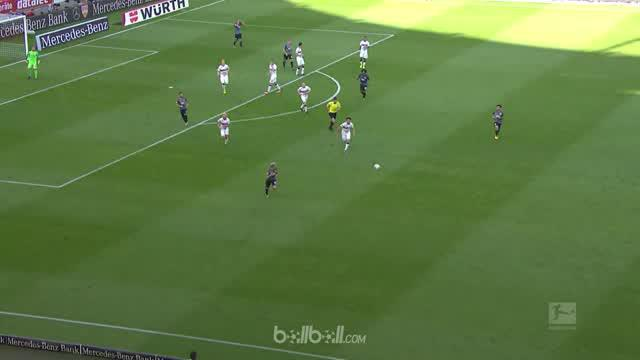 Berita video highlights Bundesliga 2017-2018 antara Stuttgart melawan Augsburg dengan skor 0-0. This video presented by BallBall.