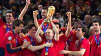 Tim sepakbola Spanyol yang menjuarai Piala Dunia 2010, ikut mempromosikan Star Wars: The Force Awakens. foto: youtube
