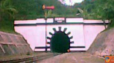 Citizen6, Cianjur: Terowongan kereta api memiliki panjang 780 meter di Kampung Lampengan, Kabupaten Cianjur, Jabar.