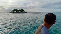 Pulau Badul di perairan semenanjung Ujung Kulon. (Liputan6.com/Yandhi Deslatama)