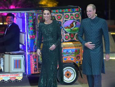 Kate Middleton dan Pangeran William Naik Bajaj di Pakistan