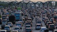 Selama mudik lebaran ada cukup banyak tantangan yang harus dihadapi para pemudik baik itu pengguna kendaraan pribadi maupun moda transportasi umum.