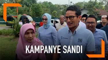 Cawapres Sandiaga Uno berkunjung ke rumah kediamannya di Pekanbaru. Sandi pernah tinggal di rumah komplek Cevron di Rumbai Pekanbaru