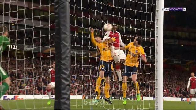 Berita video gol Antoine Griezmann dalam laga Arsenal kontra Atletico Madrid yang berakhir imbang 1-1 pada leg pertama semifinal Liga Europa 2017-2018. This video presented by BallBall.