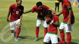 Yabes Roni Malaifani terlihat bersyukur usai mencetak gol ke gawang Filipina (Liputan6.com/ Helmi Fithriansyah)