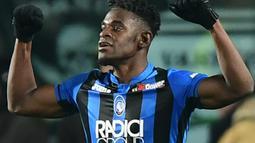 2. Duvan Zapata (Atalanta) - 21 gol dan 7 assist (AFP/Miguel Medina)