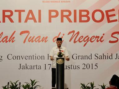 Ketua Umum Partai Priboemi, Muhardi menyampaikan pidato saat deklarasi Partai Priboemi di Jakarta, Senin (17/8/2015). Tepat di Hari Kemerdekaan, partai berlogo simbol Kerajaan Majapahit itu mendeklarasikan sebagai partai baru. (Liputan6.com/Johan Tallo)