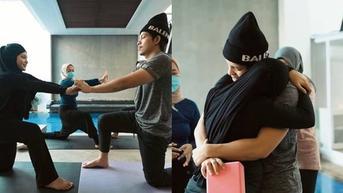 7 Momen Aurel Hermansyah Jalani Prenatal Yoga untuk Lahiran Normal