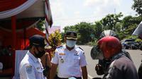 Langkah tegas saat pelaksanaan PSBB di Surabaya (Foto: Liputan6.com/Dian Kurniawan)