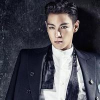 T.O.P BigBang merupakan salah satu idol Korea Selatan yang punya pesona tersendiri. Tatapannya yang tajam membuatnya semakin gagah saat ia mengenakan jas. (Foto: soompi.com)