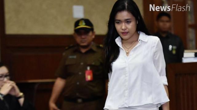 Kepala rumah tahanan wanita di Pondok Bambu Jakarta Timur Ika Yusanti mengatakan, Jessica jarang mengikuti kegiatan di rutan. Dia lebih memilih berdiam diri atau merenung di kamarnya.