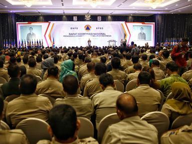 Menkopolhukam Luhut B Panjaitan memberikan kata sambutan saat pembukaan Rapat Koordinasi Nasional (Rakornas) Penanggulangan Bencana seluruh Indonesia di Jakarta, Rabu (24/2). (Liputan6.com/Faizal Fanani)