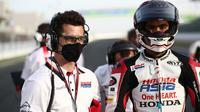 Pembalap Indonesia, Andi Gilang pada seri perdana Moto3 2021 di Sirkuit Losail, Qatar, Minggu (28/03/2021). (Honda Team Asia)