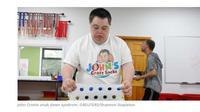 John Cronin, penyandang disabilitas autisme yang berhasil mendirikan sebuah bisnis dan menyediakan lapangan pekerjaan. (Merdeka.com)