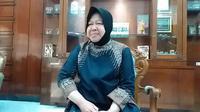 Doakan Khusnul K Lhotimah, Wali Kota Risma: Ibu Ani Yudhoyono Suka Jepret Taman di Surabaya (Foto: Dian Kurniawan)