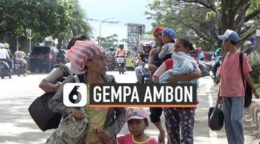 Gempa magnitudo 5,2 guncang Kota Ambon. Warga panik dan berhanburan keluar dari rumah. Warga takut terjadi tsunami. BMKG setempat meyakinkan masyarakat gempa yang terjadi tidak berpotensi tsunami.