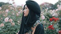 Rahmalia Aufa Yazid, hijaber asal Indonesia yang pikat perhatian media internasional. (dok. Instagram aufatokyo/https://www.instagram.com/p/BbTy9jvgRkA/Asnida Riani)