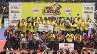 Putri Jakarta Pertamina Energi juara kompetisi bola voli Proliga 2018 setelah mengalahkan Bandung Bank BJB Pakuan pada laga final di GOR Among Rogo, Yogyakarta, Minggu (15/4/2018). (Humas PBVSI)