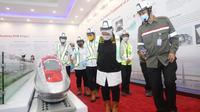 Menteri Ketenagakerjaan, Ida Fauziyah, meninjau proyek pembangunan terowongan bawah tanah Kereta Cepat Jakarta-Bandung (KCJB). (Dok Kemnaker)