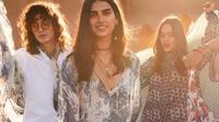 H&M merilis koleksi hasil kolaborasi dengan desainer fesyen berkelanjutan, Sabyasachi Mukherjee. (dok. Instagram @hm/https://www.instagram.com/p/CSdxnhBqo6L/)