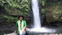 Titiek Soeharto menikmati keindahan Curug Sawer di Sukabumi, Jawa Barat (Dok.Instagram/@titieksoeharto/https://www.instagram.com/p/B2b4s2kjOC1/Komarudin)