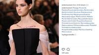 Saat ajang Paris Paris Haute Couture Fashion Week berlangsung, Dior membawa kembali tren tato temporer. (Foto: Instagram @embrmoment)