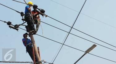 PLN terus memperluas pasokan listrik keseluruh pelosok nusantara termasuk ke daerah terpencil dan terdepan.