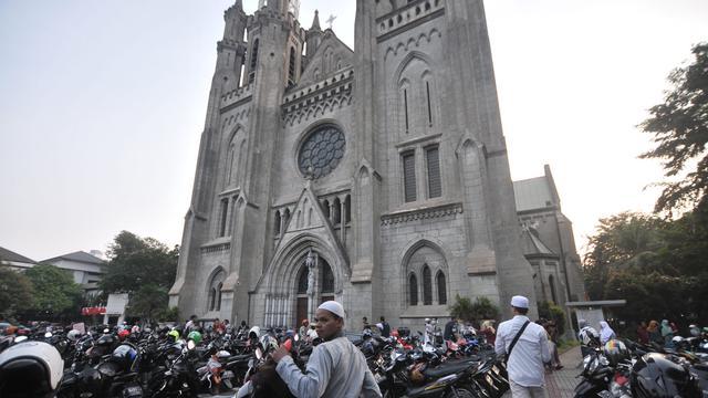 Gereja Katedral Sediakan Lahan Parkir Saat Idul Adha
