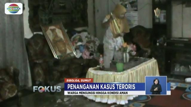 Mengaku masih trauma, para tetangga terduga teroris di Sibolga, Sumatera Utara, takut kembali ke rumah.