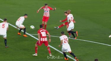 Antoine Griezmann tampil brilian saat membantu Atletico Madrid mencukur Sevilla dengan skor 5-2.