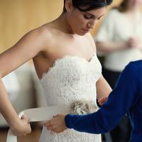 Simak tips ini dan dapatkan gaun pengantin paling cantik di hari bahagiamu~