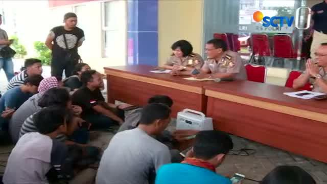 Enam jenazah korban kebakaran pabrik kembang api di Kosambi, Tangerang, Banten berhasil diidentifikasi.