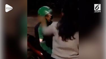 Seorang wanita terekam kamera menampar driver ojek online lantaran diminta hal ini.