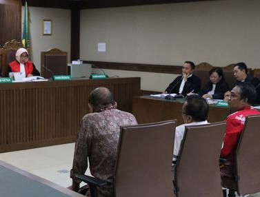 Didakwa Terima Suap Rp 240 Juta, Empat Anggota DPRD Kalteng Jalani Sidang Perdana