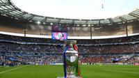 Trofi Piala Eropa 2016. (AFP/Franck Fife)