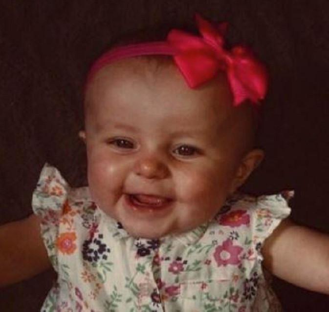 Bayi Kia harus mengalami meningitis septicemia C yang membuat organ tubuhnya harus diamputasi. (Now to Love)