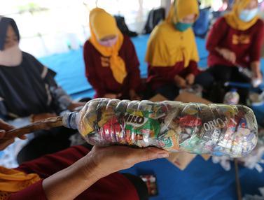 Kreativitas Warga Pulau Harapan dalam Mengurangi Volume Sampah Plastik