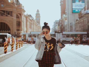 FOTO: Gaya Fashion Febby Rastanty Saat Liburan, Casual dan Chic