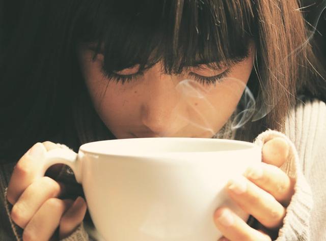 Minum teh atau kopi selama tidak berlebihan tidak masalah./Copyright pexels.com