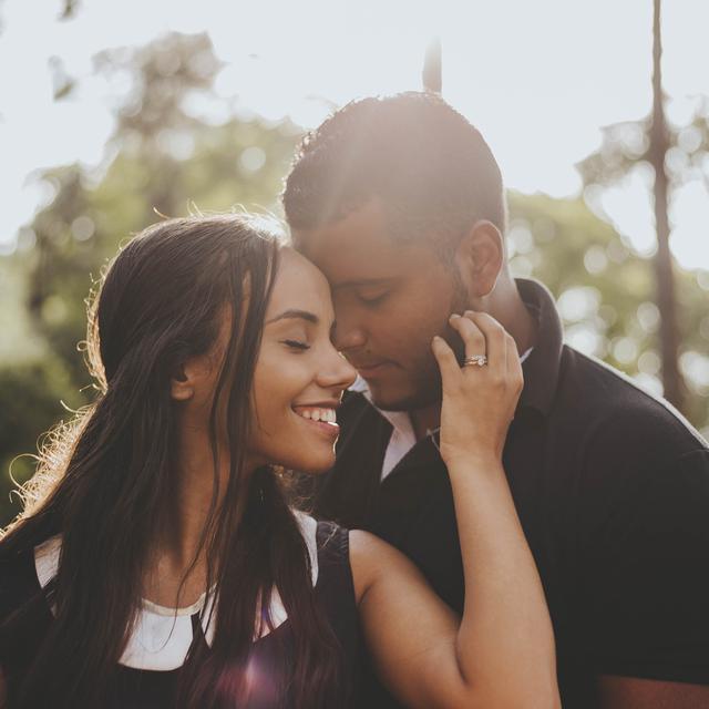 30 Kata Kata Cinta Tak Butuh Alasan Penanda Ketulusan Hatimu Ragam Bola Com