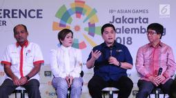 Ketua Umum INASGOC, Erick Thohir (ketiga kiri) memberi keterangan saat konferensi pers Official Broadcaster Asian Games 2018 di Jakarta, Kamis (8/2). Asian Games 2018 berlangsung 18 Agustus-2 September. (Liputan6.com/Helmi Fithriansyah)