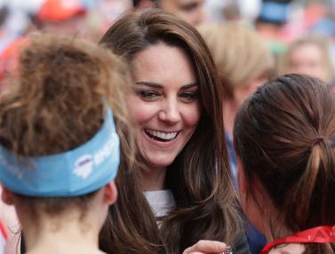 Keceriaan Kate Middleton Beri Semangat Peserta London Marathon 2017
