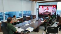 Kepala Gugus Tugas Percepatan Penanganan Covid-19, Letnan Jenderal TNI Doni Monardo bertugas mengenakan seragam TNI. (Istimewa)