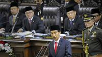 Presiden Jokowi menyampaikan pidato perdana di Gedung MPR, Jakarta. (Anatarfoto)