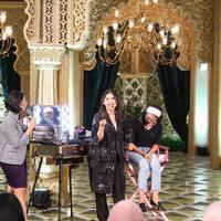 Digelar untuk yang ketiga kalinya, event MakeupMakeup kali ini menghadirkan Tyna Kanna Mirdad dan mengangkat tema 'Natural Glow Makeup Look'. (Foto: Bintang.com/Daniel Kampua)