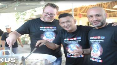 Para chef ini berasal berbagai daerah dan negara. Diprakasai oleh Figie Subrata dan suaminya Bernard Chew.
